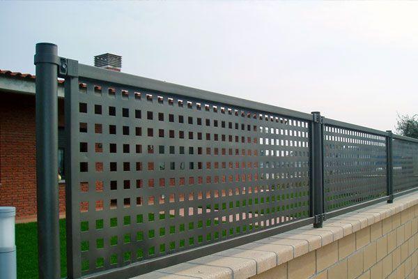 Malla Metalica En Cuadradillo Google Search Rejas Para Casas Modelos De Portones Metalicos Verjas