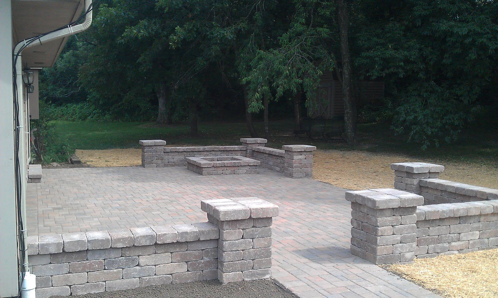 Block Walls Around Patios Grading Landscaping Paver