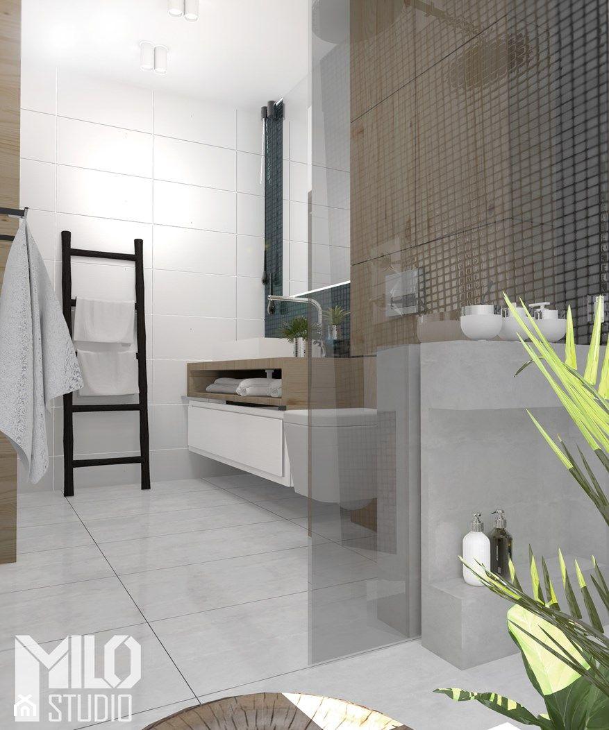 Jasna łazienka Z Czarną Mozaiką I Drewnem Zdjęcie Od Milo Studio