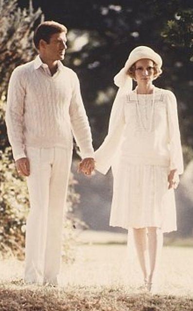 ccf0b3689f1b Robert Redford and Mia Farrow in The Great Gatsby (1974)   costume ...