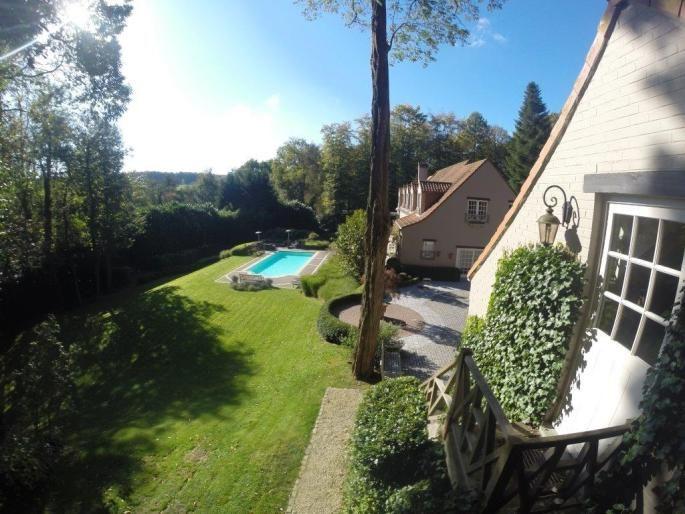 Prestigieuse propriété - Quartier Sept Fontaines Exposé Engel & Völkers | W-01ZED8 - ( Belgique, Brabant-Wallon, Braine-l'Alleud/Lillois/Ophain )