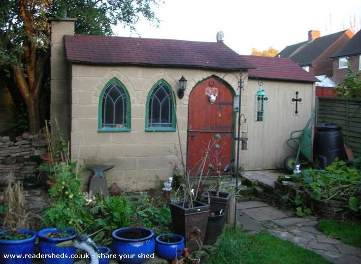 Could this be the Shed of the Year 2012? #fantasygardenofficefriday