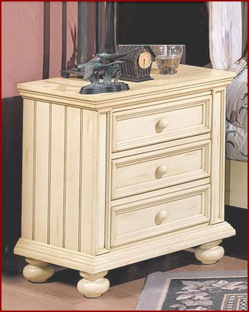 Winners Only 3 Drawer Night Stand Cape Cod in Buttermilk WO-BB1005