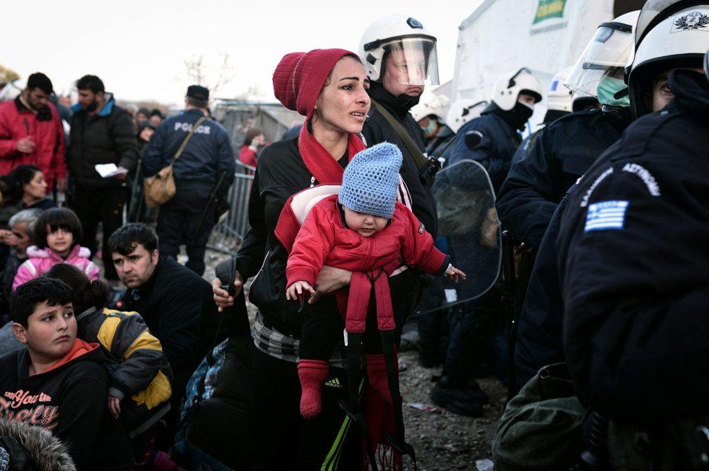 Refugees at Idomeni between Greece and Macedony