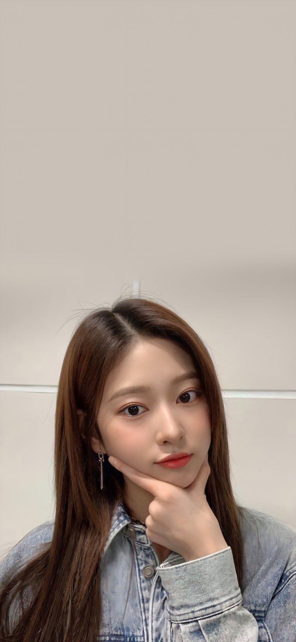 Iz One Wallpapers On Twitter Pretty Korean Girls Wallpaper Please Wallpaper