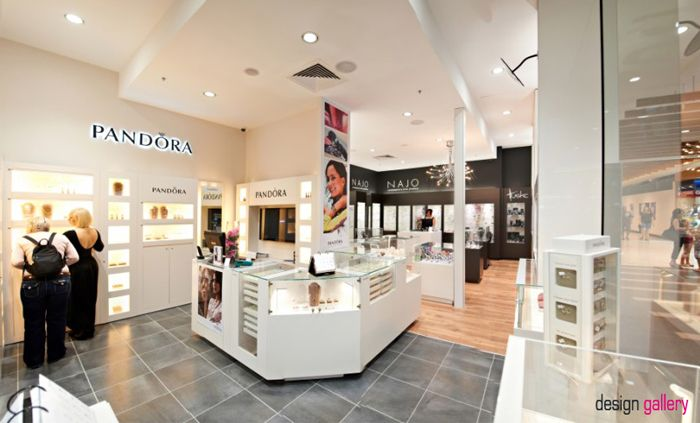 Silvershop In Mackay Qld Australia Opened Late 2011 The Store Features Brilliant Lighting And A Large Pandora Area Design By Design Gallery