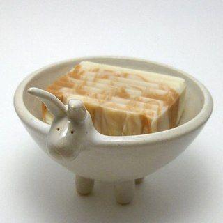 Cute soap dish from  MOON CERAMIC    #soap#soapdish#soapart