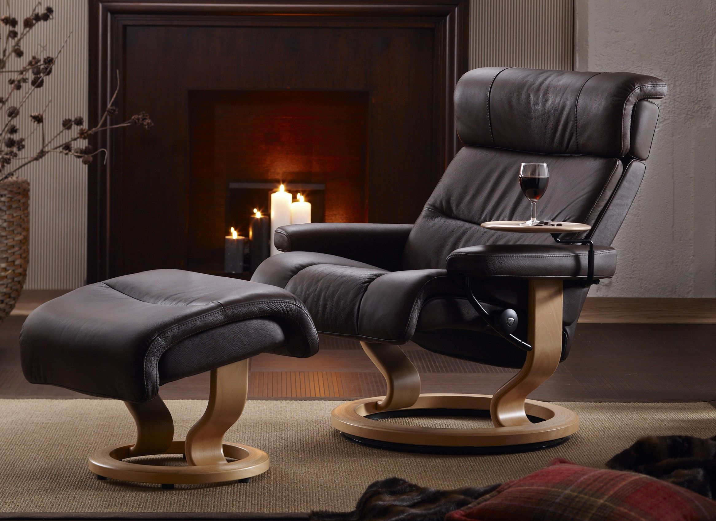 Stressless Ekornes Sessel Stressless Memphis Recliner With Matching Leather Ottoman By