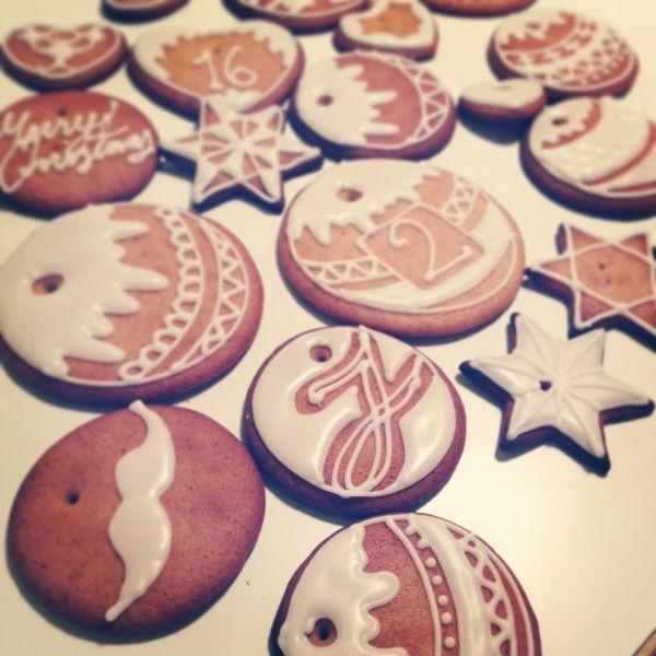 Kuuseen, joulukalenteriin ja suuhun. - by Johanna -- Piparkakku, Joulu, Gingerbread, Christmas