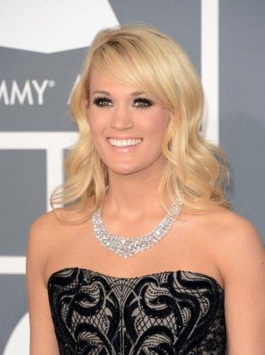 Carrie Underwood's $ 31 million necklace caught the attention of many at the 2013 Grammys. Did she have the most expensive jewelry that night?