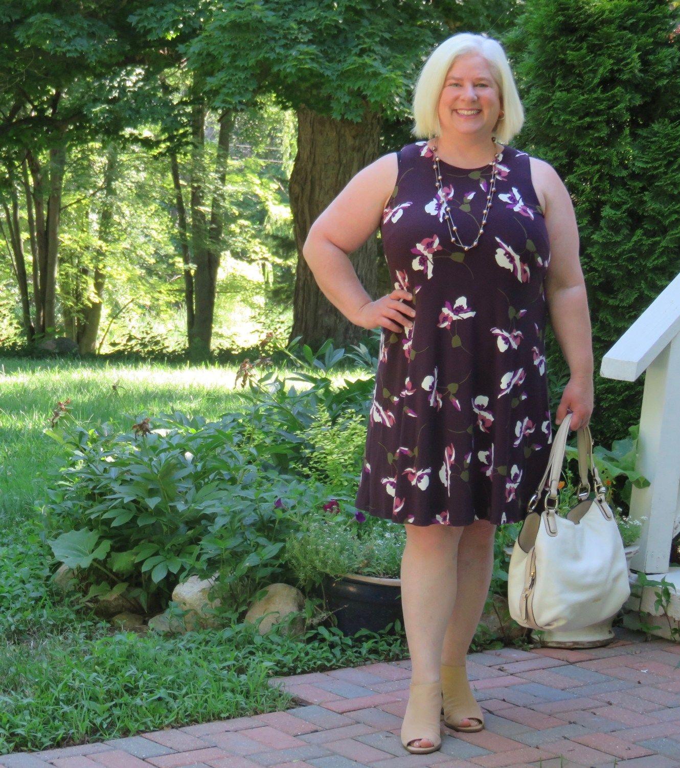 Best Summer Dress For Apple Shaped Women Whenthegirlsrule Com Best Summer Dresses Dresses For Apple Shape Summer Dresses [ 1503 x 1330 Pixel ]