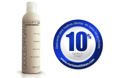 GOCCE D'ARGAN SHAMPOO Shampoo anti-edad desenredante, que restaura y da brillo, es la acción inmediata. Elaborado con una mezcla de tensoactivos suaves y un bajo impacto dermatológico, limpia suavemente sin agotar la barrera hidrolipídica del cabello