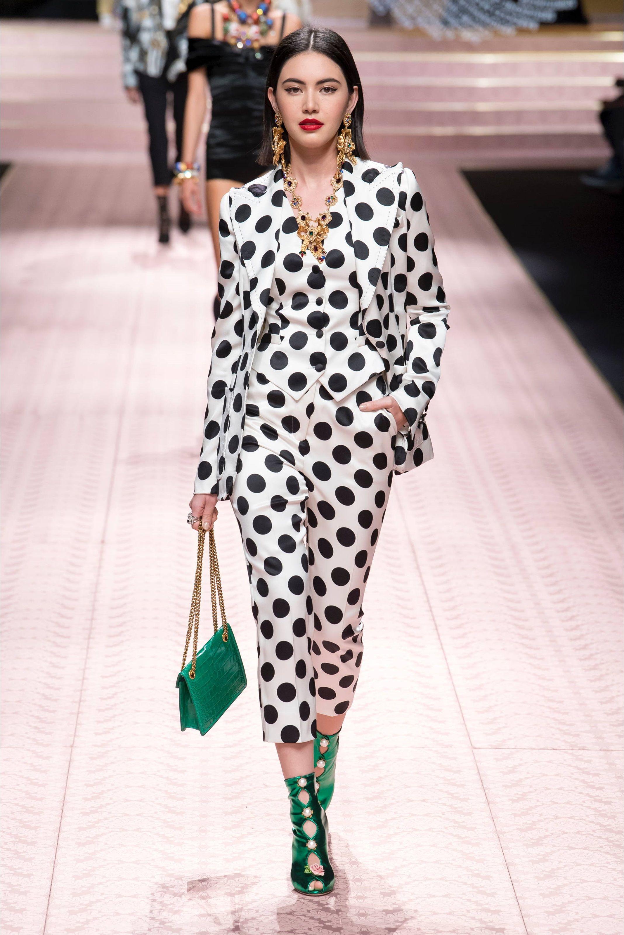 Sfilata Dolce   Gabbana Milano - Collezioni Primavera Estate 2019 - Vogue ee36aaf04f5