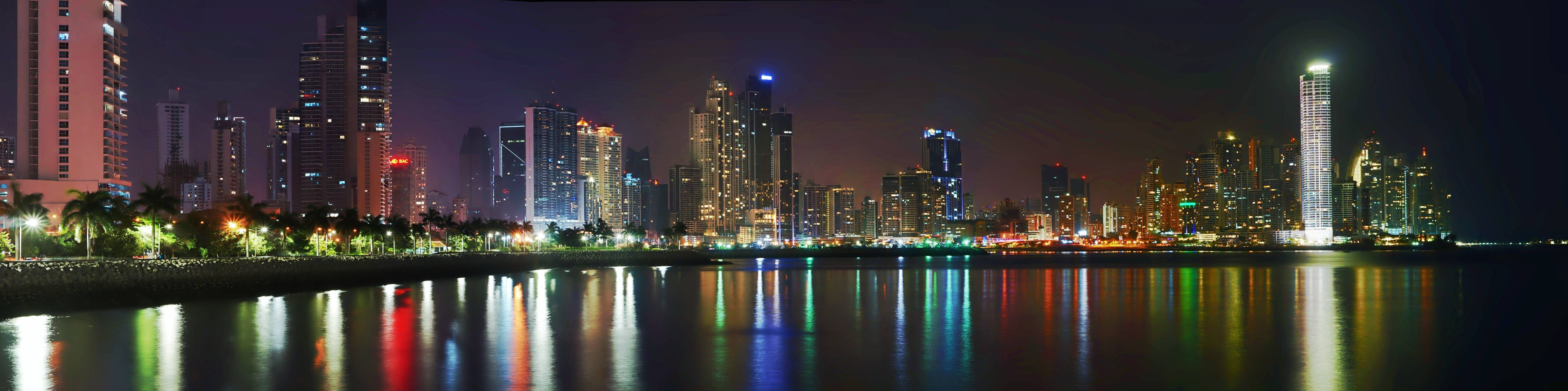 Panamá City Panama panoramic picture at night with view from the Bay.
