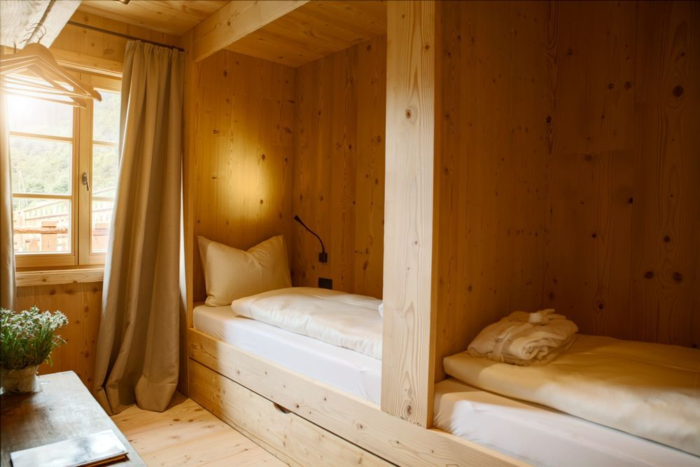 Schlafzimmer Naturholz ~ Schlafzimmer gemütliche koje i holz stein 12 betten pinterest
