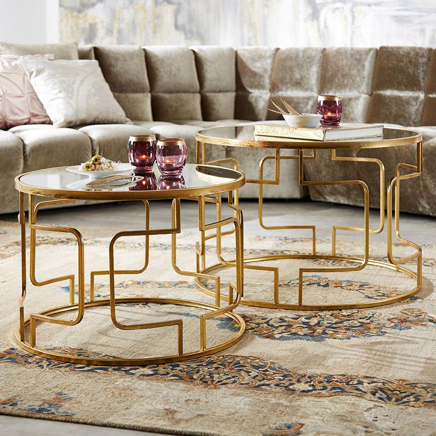 Runde Couchtische In Gold Mit Eleganten Verstrebungen Couchtisch