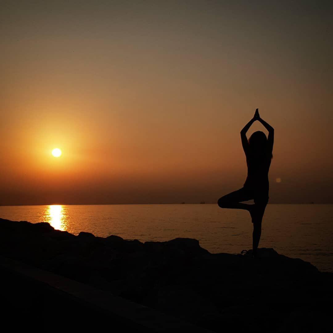 Enjoy The Day Yoga Sunday Sundaymod Sunrise Yogapose Yogainspiration Yogalife Yogafit Yogapractice Yoga Challenge Yoga Fitness Yoga Poses