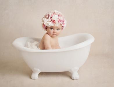 Ex Demo Denny Rub-a-Dub Tub Baby Posing Roll Top Bath ...