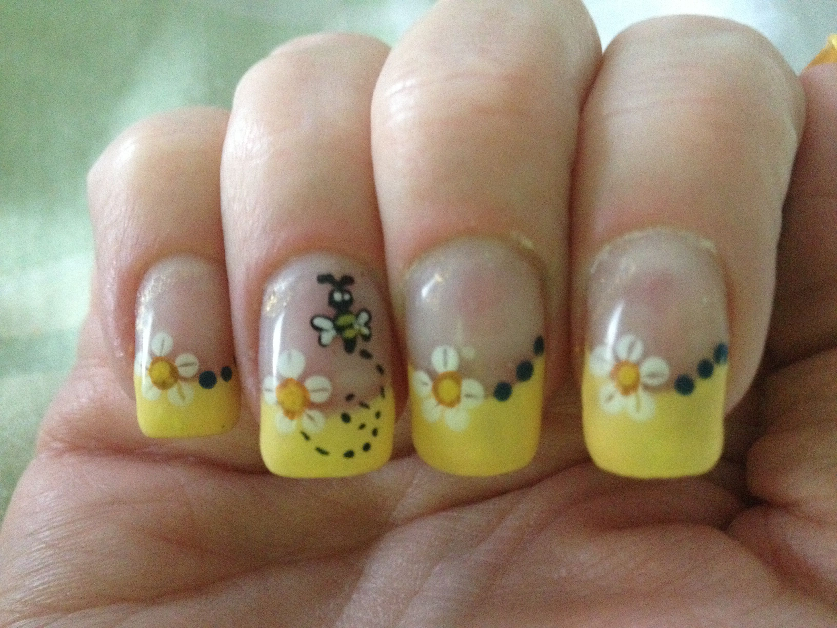 Bumble Bee Nails A Manicure Gift Card Nail Art Pinterest