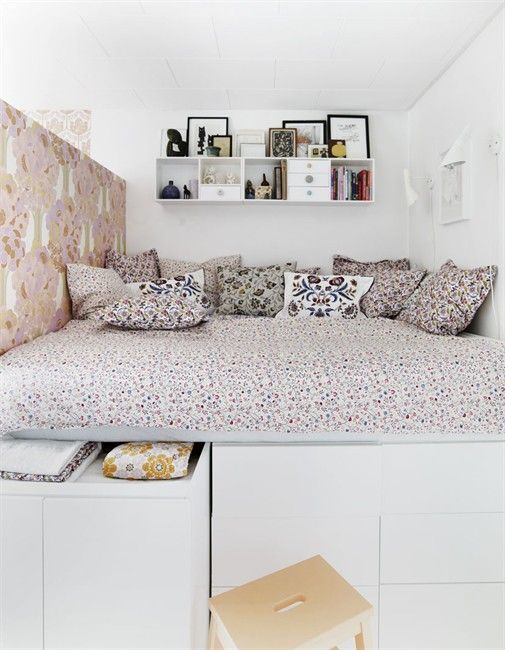 Ich habe eine Auswahl von selbstgebauten Betten mit Stauraum ...