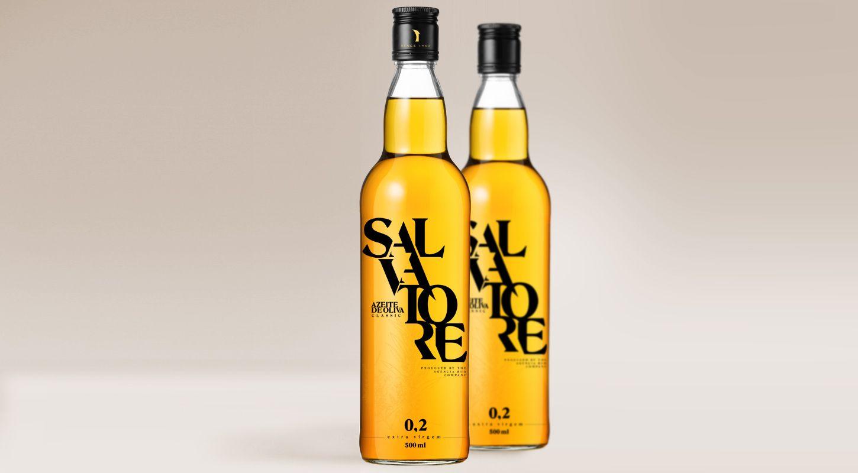 A linha gourmet Salvatore de azeites e acetos balsâmicos permite expressar, em sua embalagem, modernidade e conceito gastronômico inovador, através da identidade visual bem estruturada e concisa que facilita o reconhecimento desta nova marca.