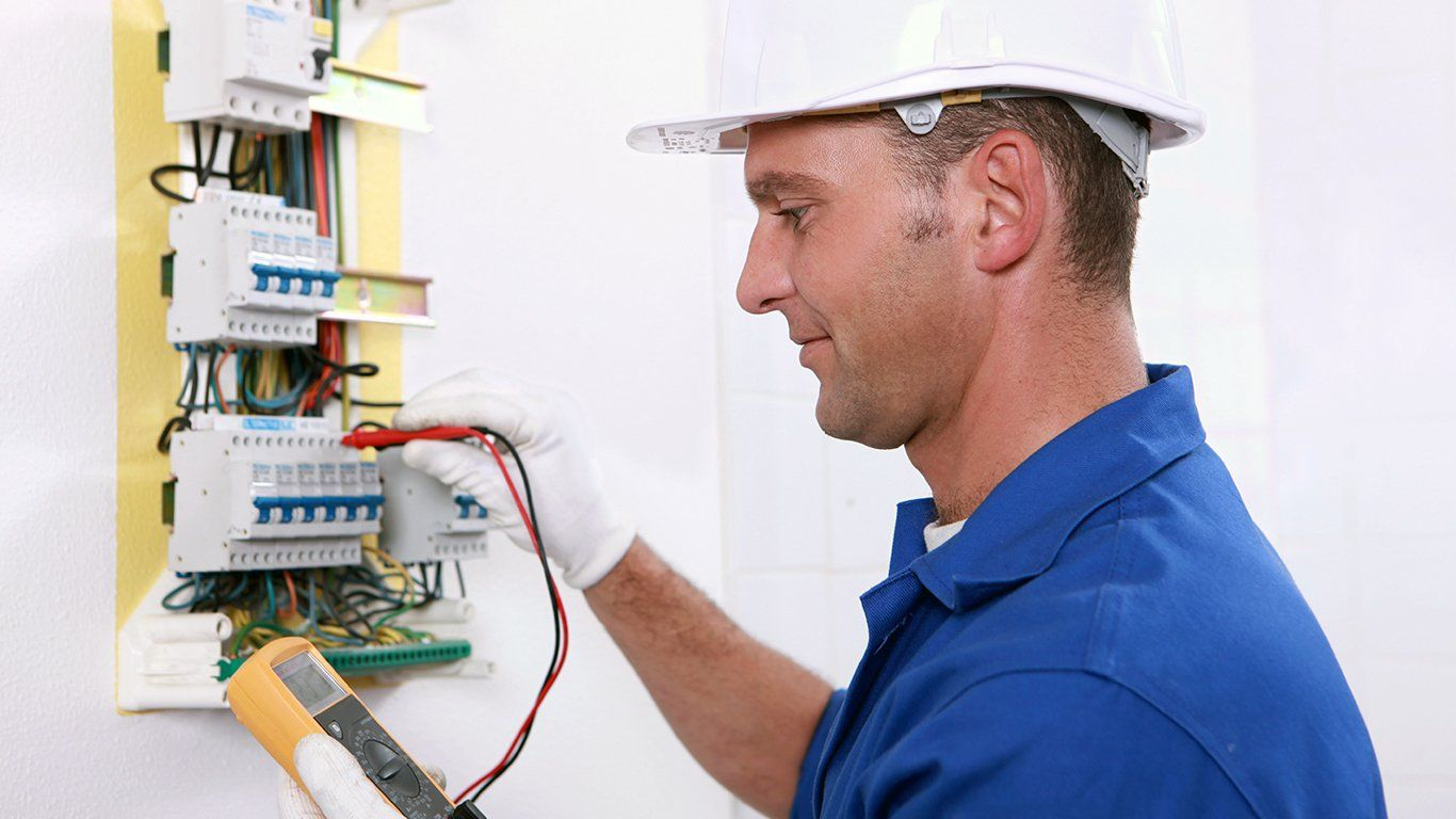 Get 24/7 emergency electrical service in Hereford at
