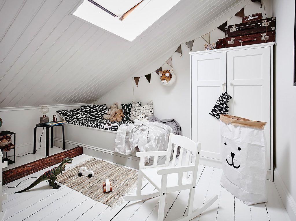Leuke Boekenkastje Kinderkamer : Achter deze boekenkast schuilt een hele leuke witte kinderkamer