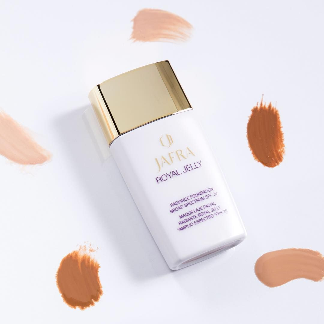 Royal Jelly Radiance Foundation Protects Your Skin With Broad Jafra Hydrating Night Moisture Spectrum Spf 20 Minimizes The Appearance Of Pores And Fine Lines