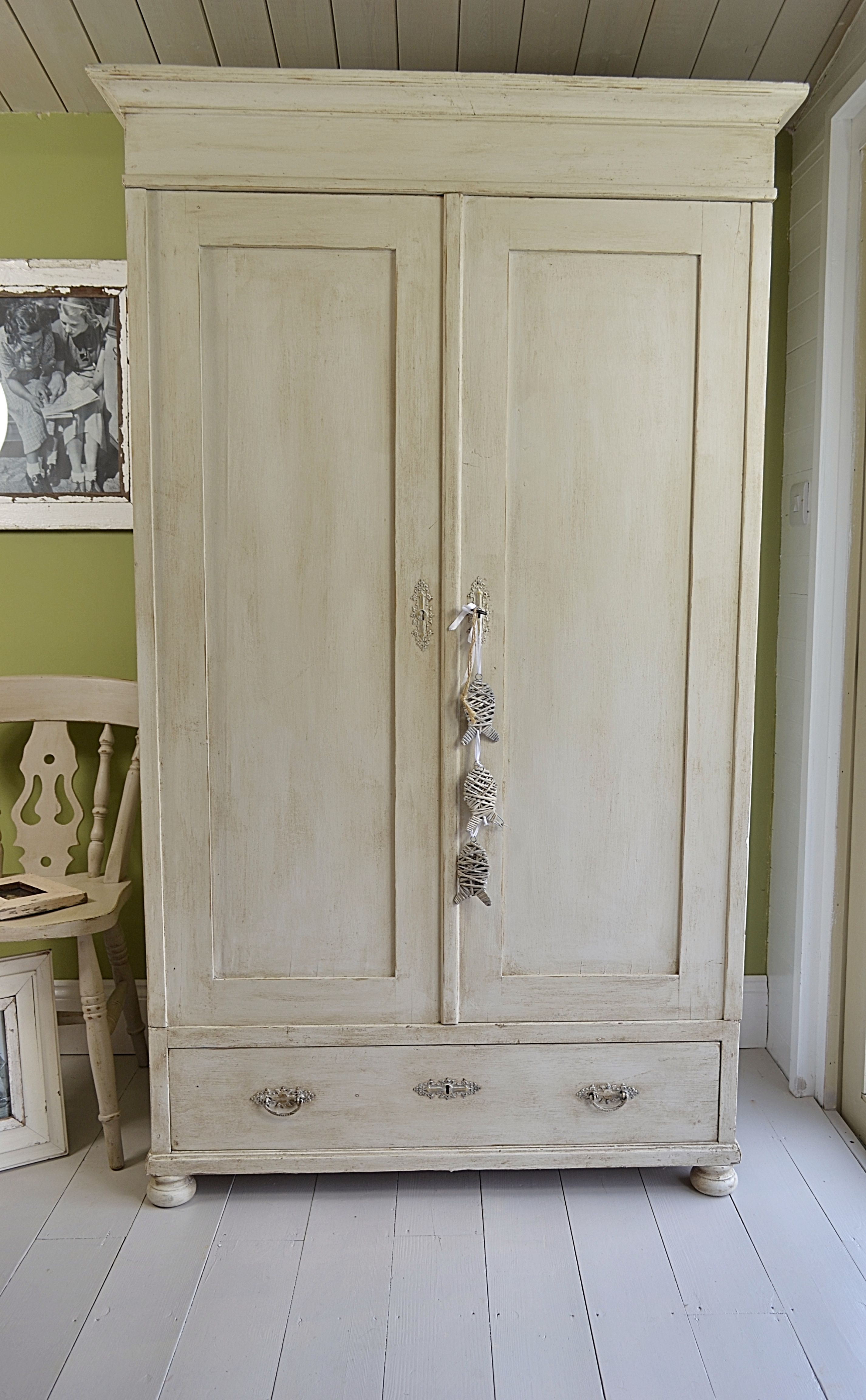 We Love This Solid Pine Antique Wardrobe The Pretty Ornate Handles And Bun Feet Really Make This Antique Wardrobe Pine Bedroom Furniture Shabby Chic Wardrobe