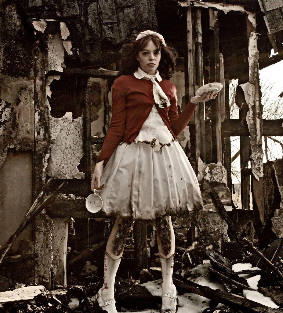 Apocalyptic Guro Lolita. I'm in love.