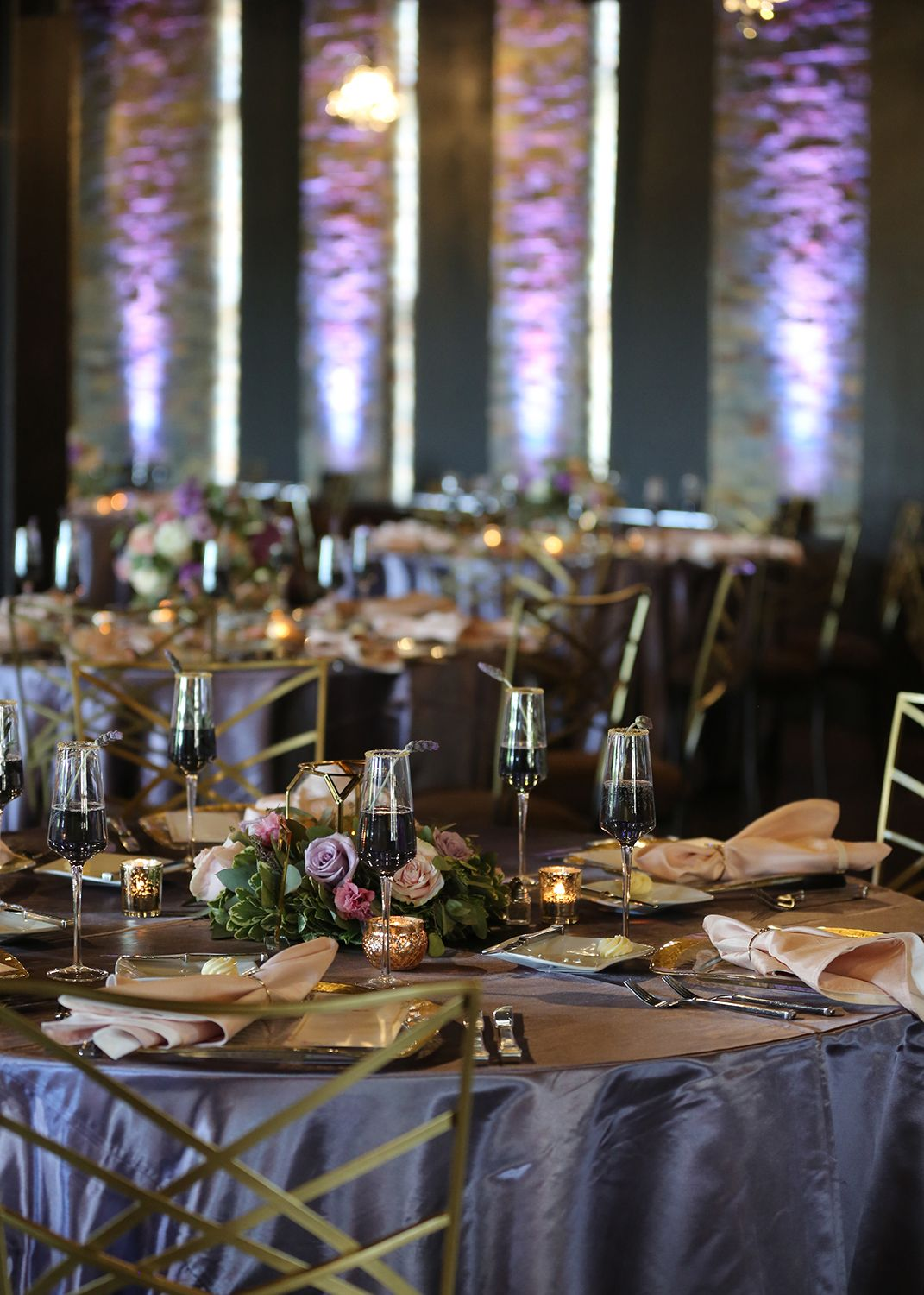 Rustic Wedding Reception Venue Indianapolis Indiana Tablescapes Decor And Floral