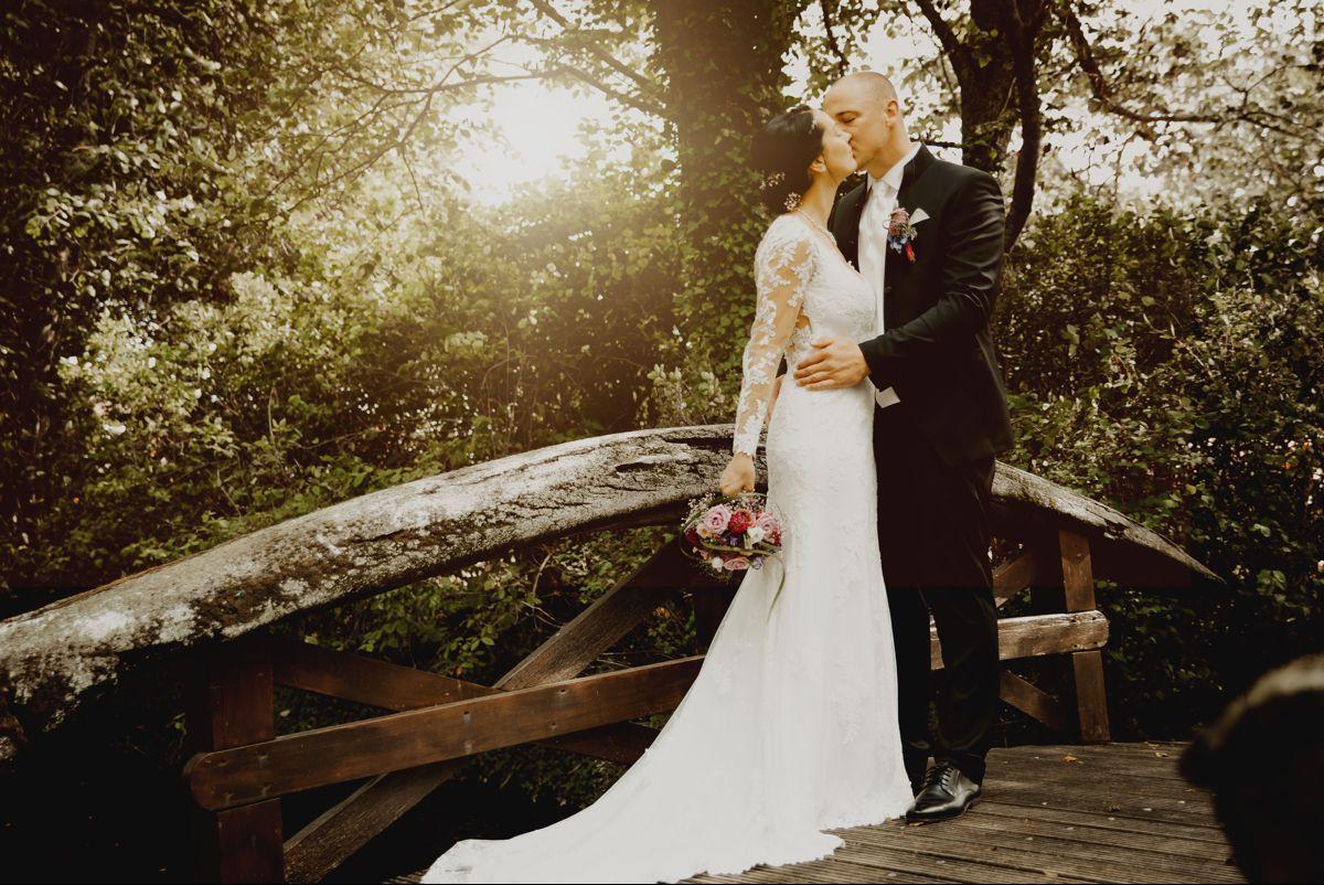 Hochzeitsshooting In 2020 Kleid Hochzeit Hochzeitsfotografie Hochzeit