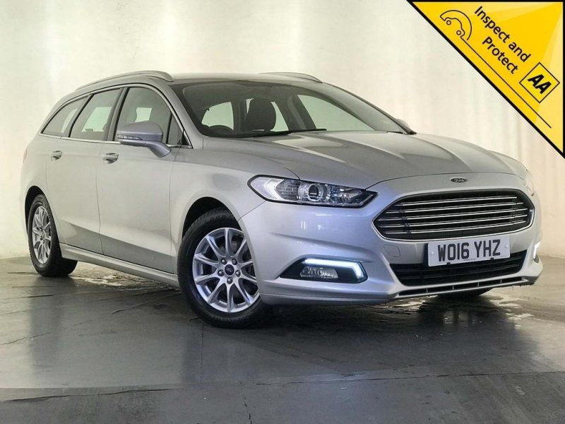 Ford Mondeo 2 0 Tdci Zetec S S 5dr Toyota Auris Cars For Sale Ford Mondeo
