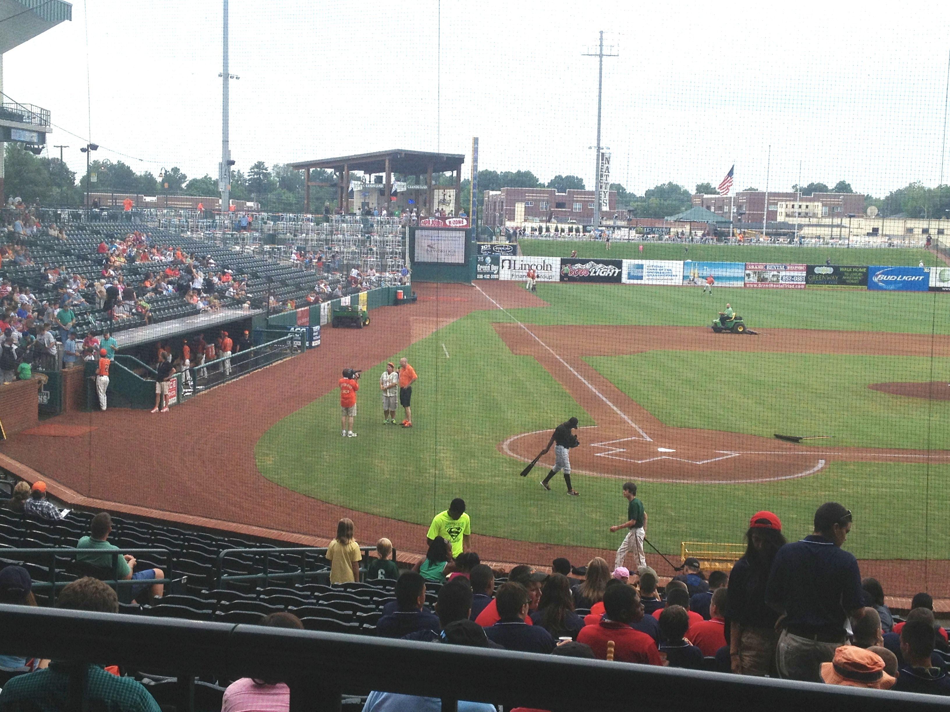 The Greensboro Grasshoppers Facing The Delmarva Shorebirds At The 5th Annual Home Run For Homelessness Homerun Greensboro Baseball Field