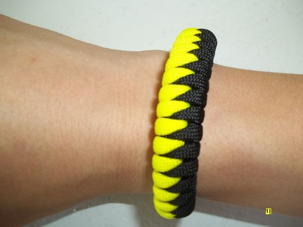 JOJO POST HOW TO: Make Sawtooth Paracord Bracelet Weave?? EASY!!!