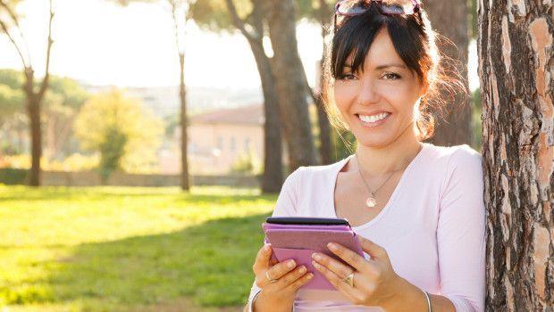 La tendenza è sempre quella: le donne leggono più degli uomini. Non solo: leggono soprattutto in digitale. #donne