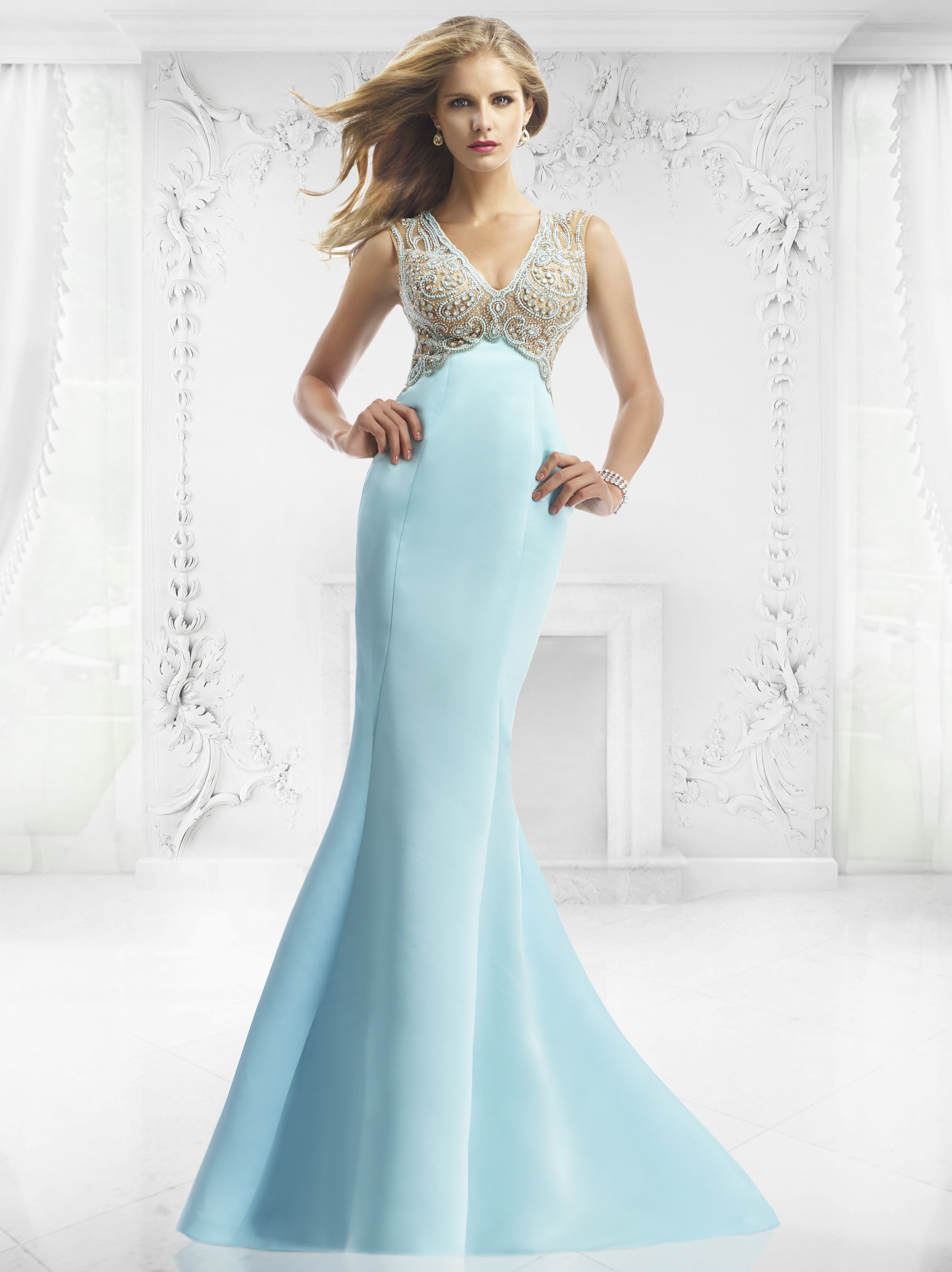 Janique 535 2015 Collection. This Beautiful dress gives off a very ...