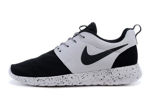 the latest ae10f 456e7 n060 - Nike Roshe Run (Oreo Black White) – shopzaping SIZE 7
