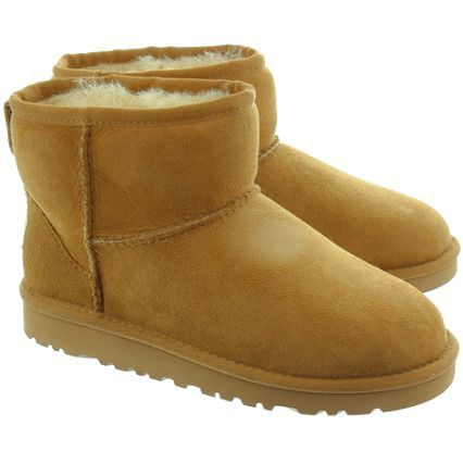 I found Bailey Bow Uggs on Wish check it out!