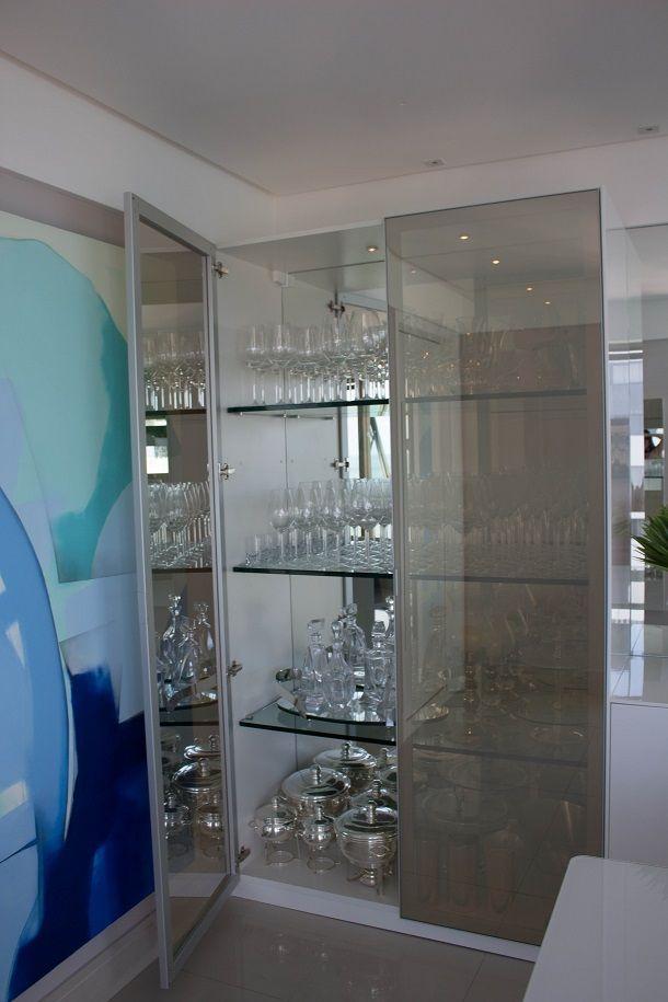25 melhores ideias de cristaleira de vidro no pinterest - Estantes para armarios ...