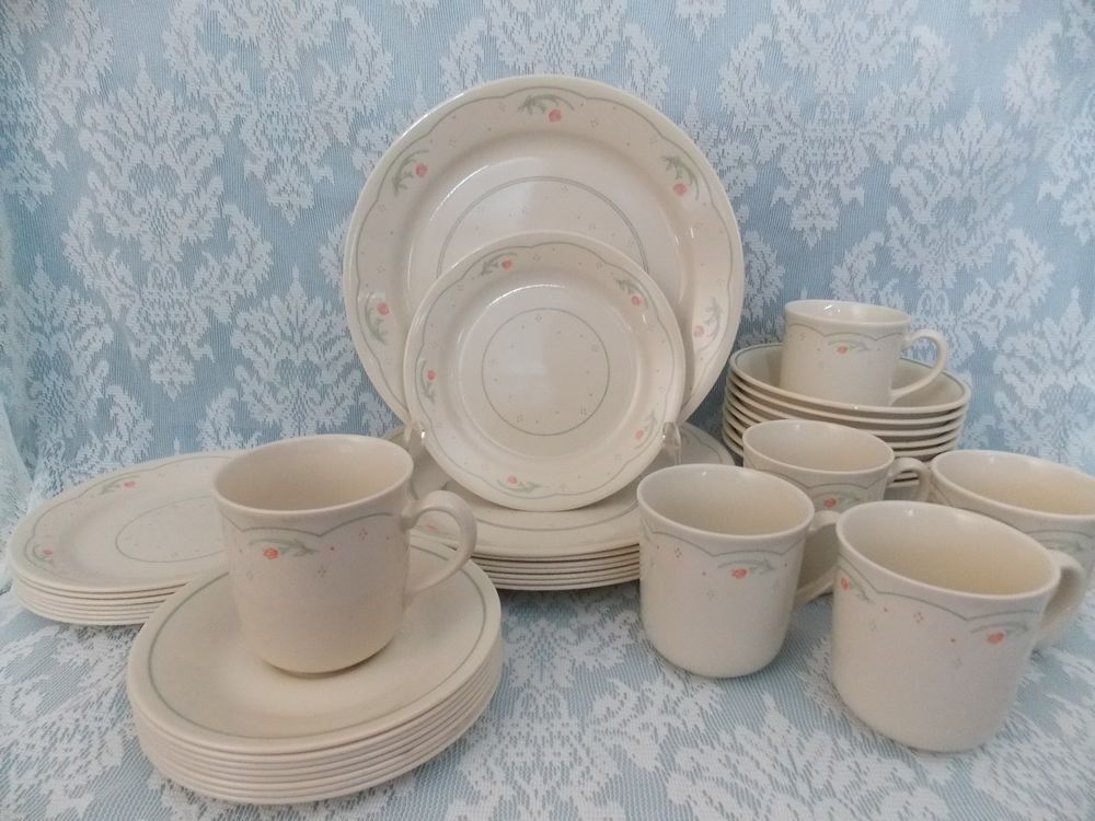 32 Piece Vintage Corelle Calico Rose Dinnerware Set 1980\'s ...
