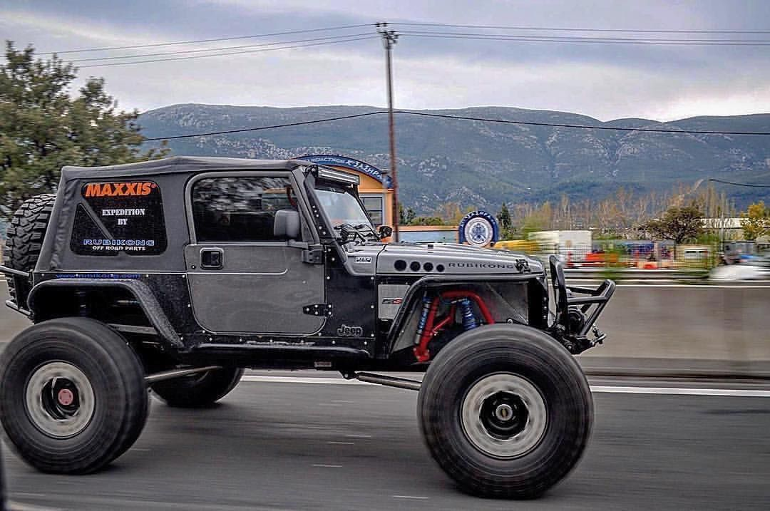 Love A Clean Simple Build Theblacksmithcrew Modern Jeeps Jeep Wrangler Nittotires Jeepjk Dream Cars Jeep Jeep Suv Jeep