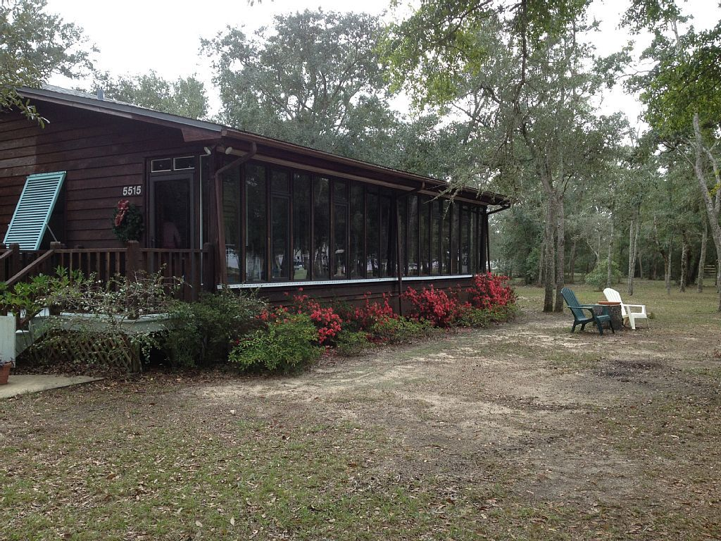 Vrbo Com 782473 A Cozy Cottage On Two Acres With Water View In A Rural Setting Offering Privacy Vacation Cozy Cottage Water Views