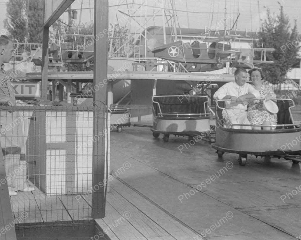 Couple in ohio amusement ride 1938 vintage 8x10 reprint of