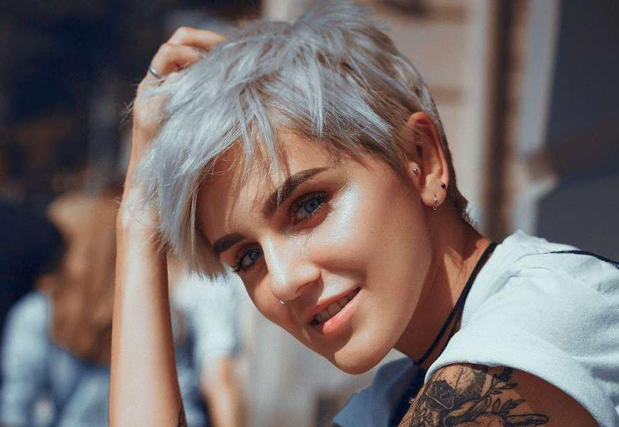 Fraulich Frisuren Fur Die Frau Kurze Weisse Haare Kurze Haare Frauen Frisuren