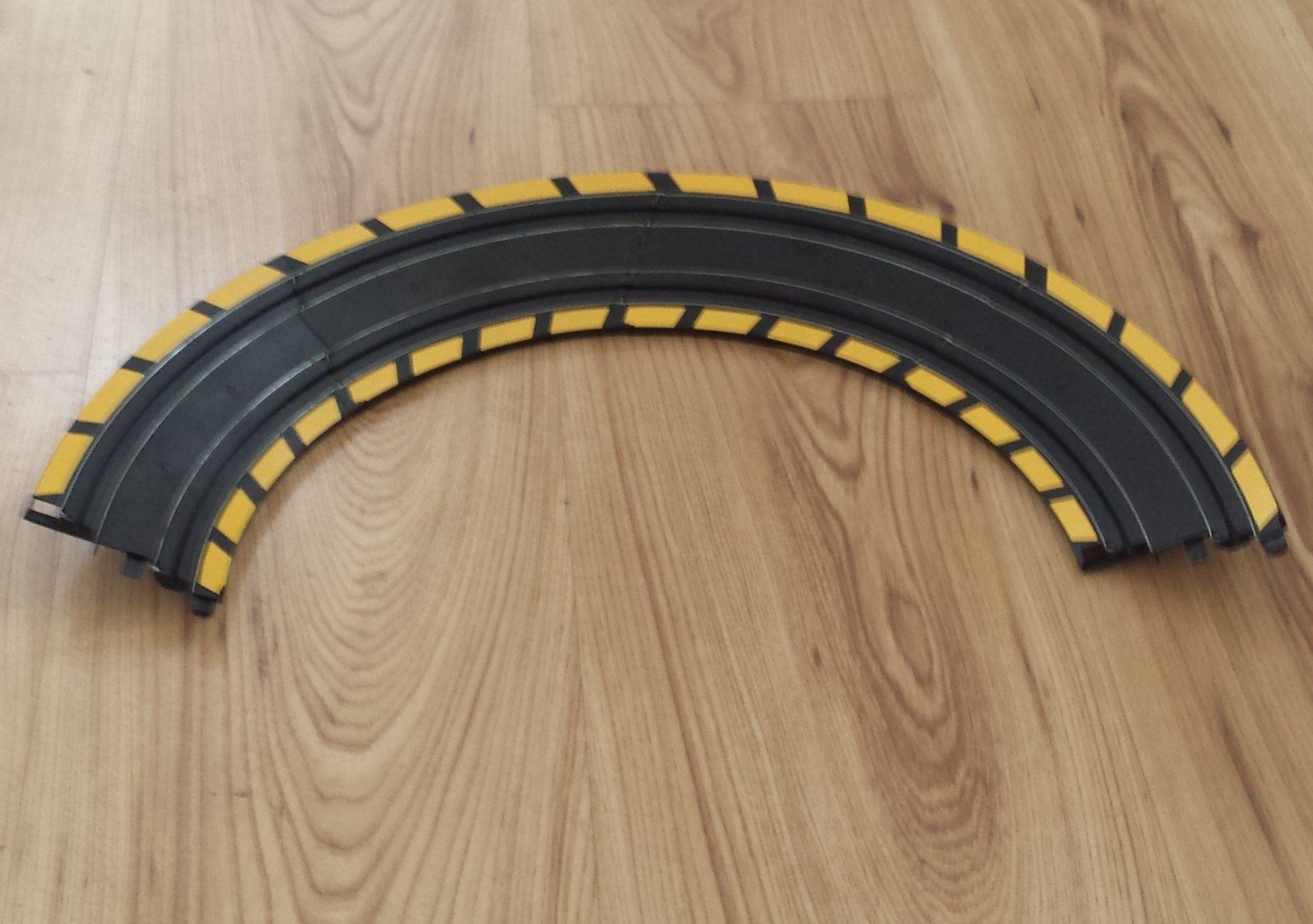 Digital Track Scalextric 1:32 Sport C8212 Silver Barriers x 5 and Clips x 15
