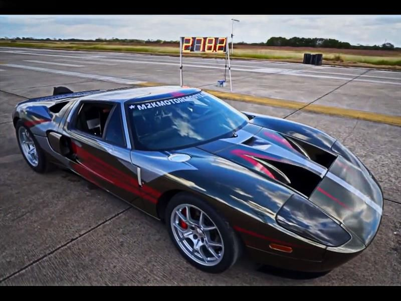 Ford GT with 2000HP get 278 MPH (447KPH) in Texas Mile