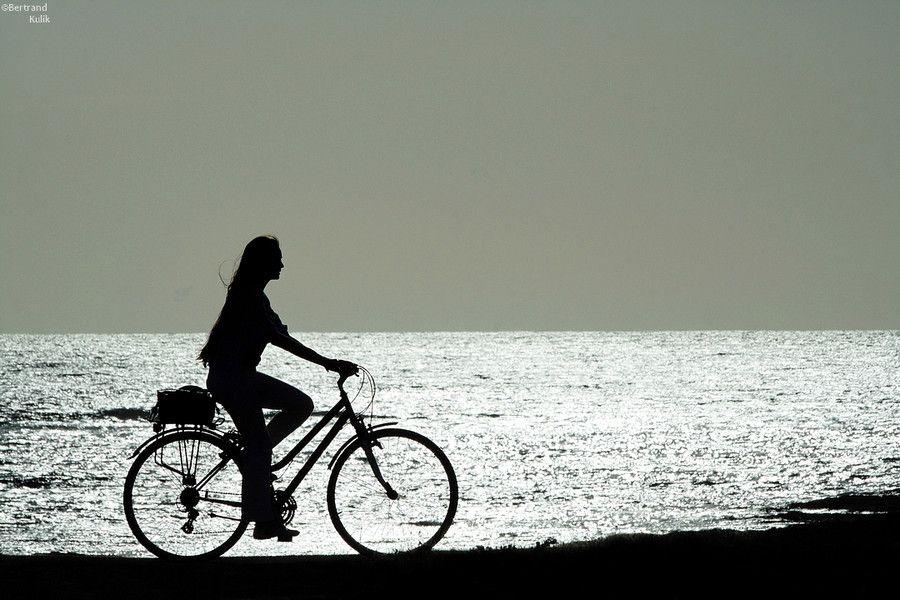 La jeune fille au vélo by Bertrand Kulik on 500px