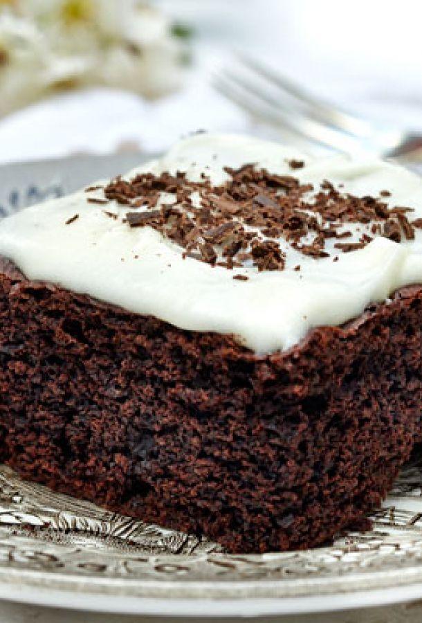 Svampet Chokoladekage Med Glasur Opskrift I 2020 Dessert Laekre Kager