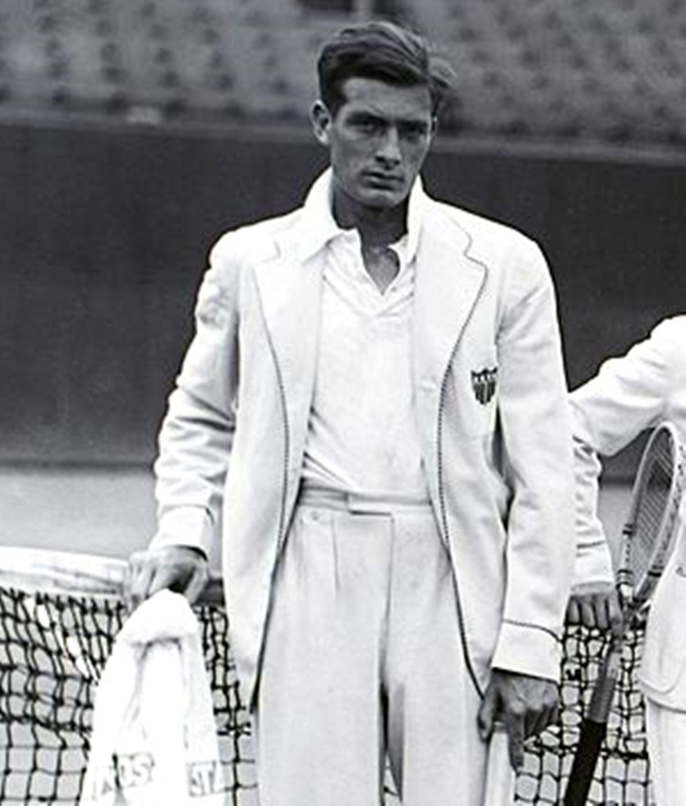 """Good lord, that man was handsome...and this """"look"""" could be straight from the latest Ralph Lauren catalogue...though this is around 1928. A timeless kind of handsomeness."""